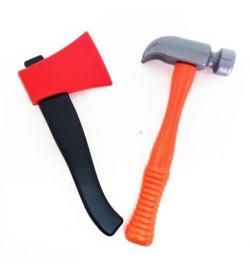 Набор инструментов (топор, молоток)
